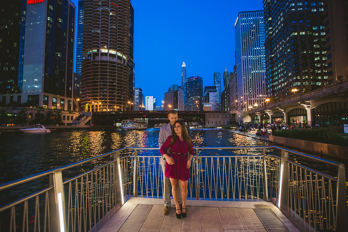Amazing-Chicago-Night-Engagement-Photos