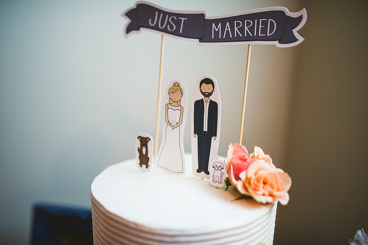 Cute-Wedding-Cake-Toppers