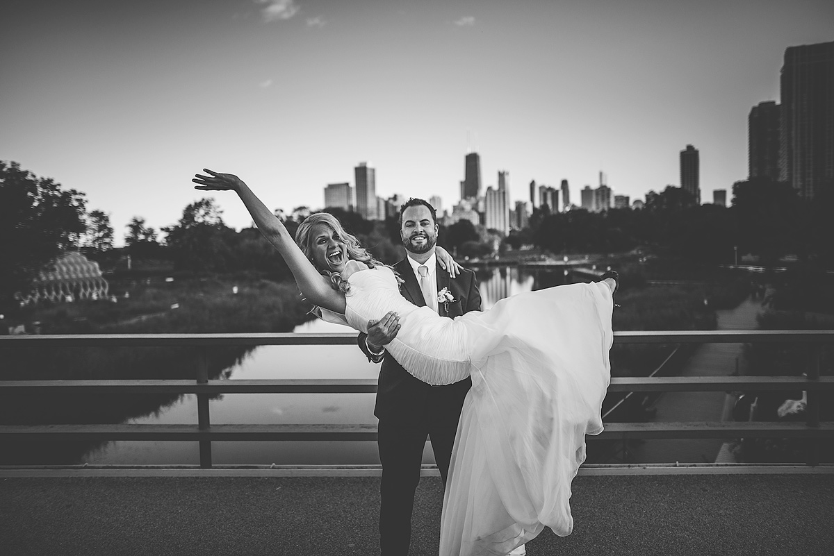 Fun-Wedding-Photos-Chicago