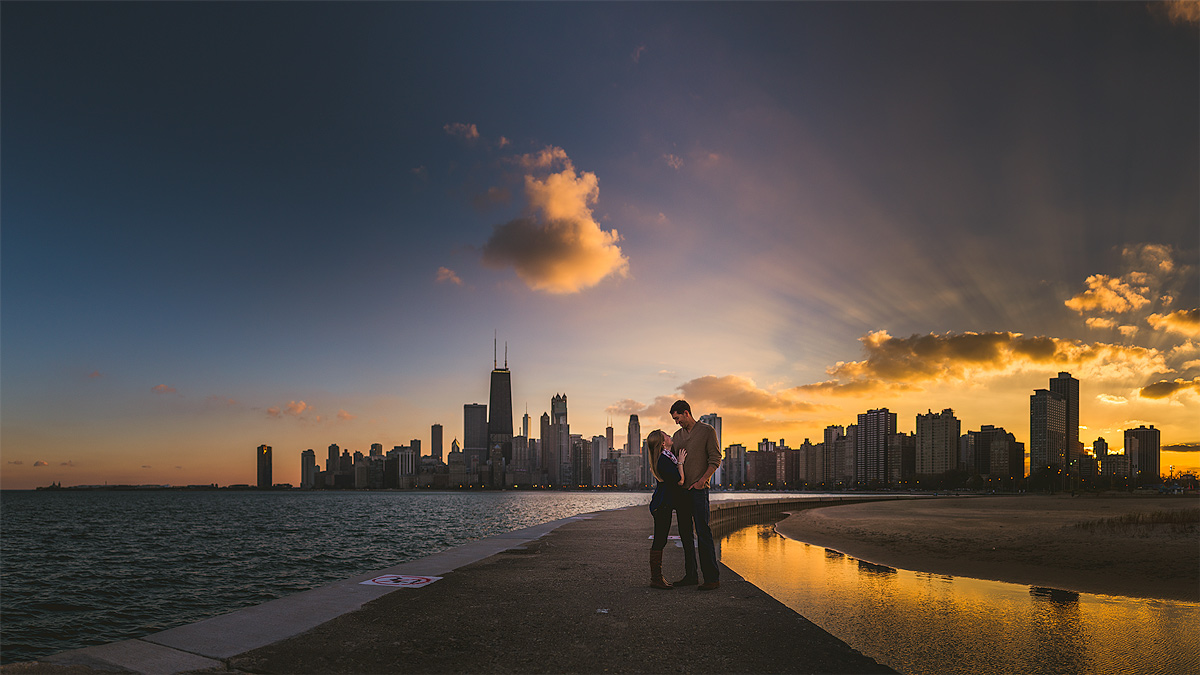 Chicago-SUnset-Skyline-ENgagement-Photos