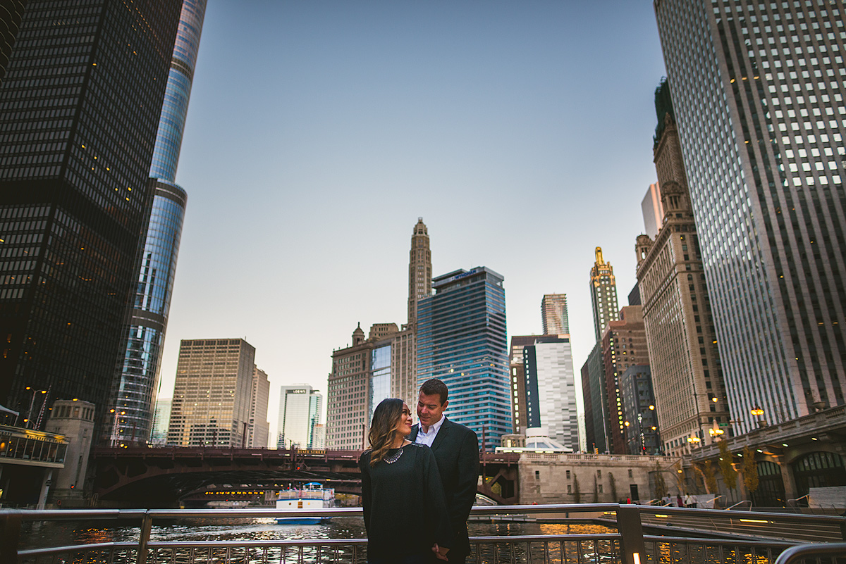 Riverwalk-Chicago-Engagement