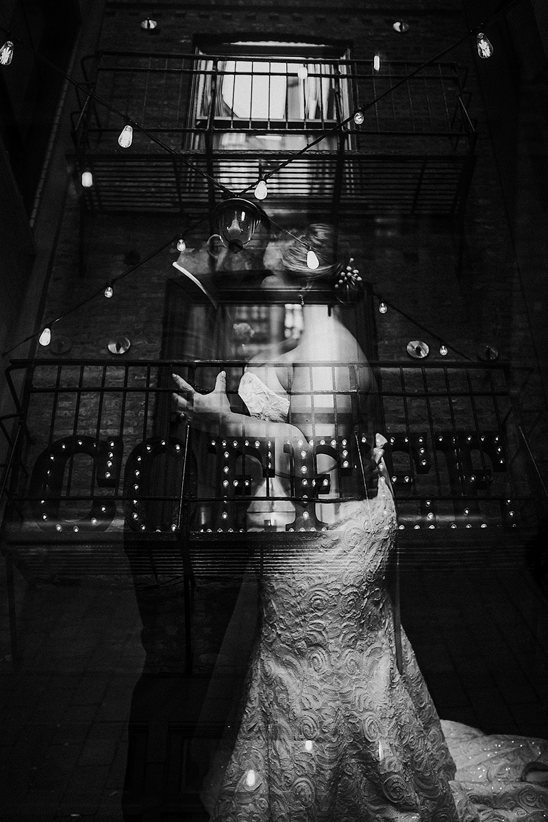 Chicago-Coffee-Wedding-Photo