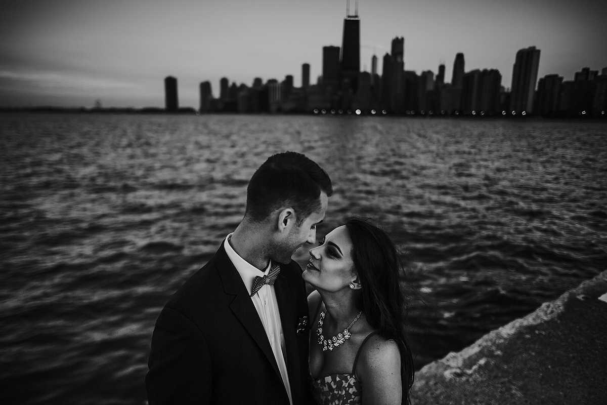 Chicago-skyline-intimate-engagement
