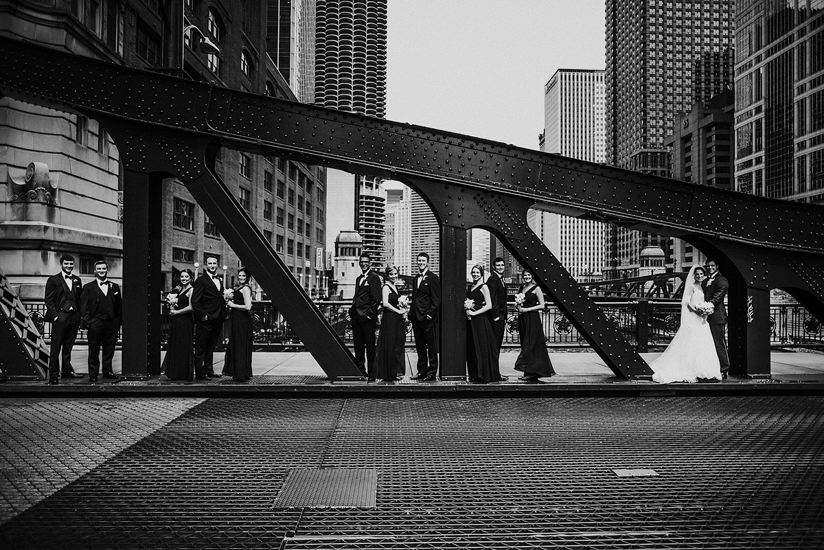 Classic-Chicago-Bridal-Party-Photo