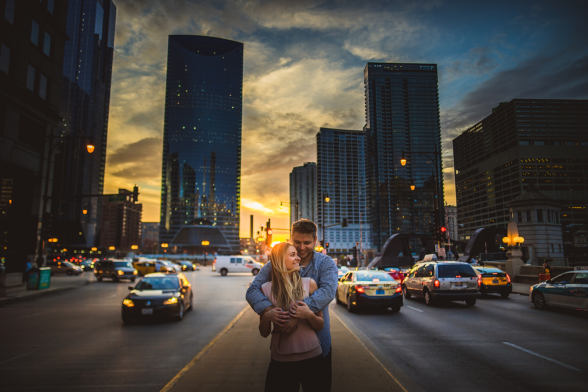 chicago-sunset-engagement-photo