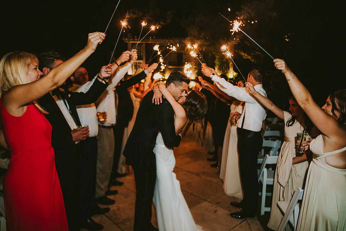 Sparkler-Wedding-Kiss