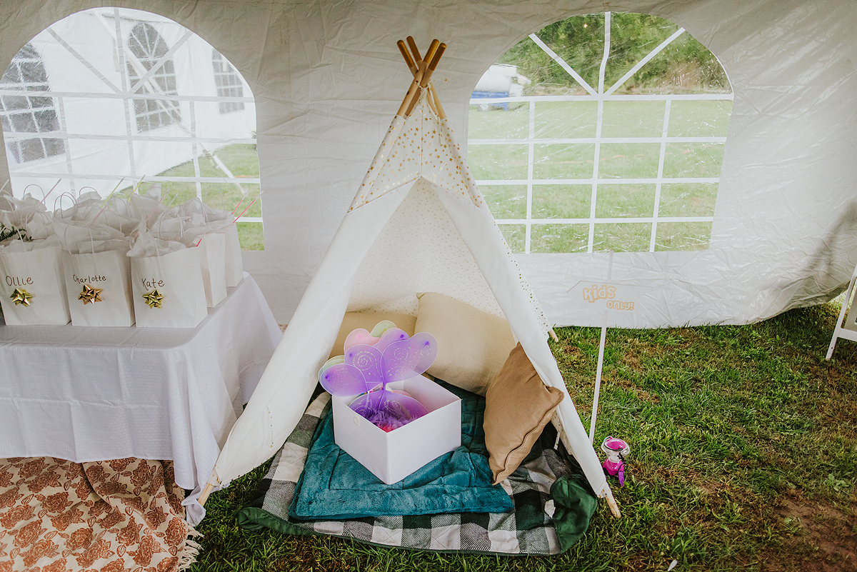 kids-tent-wedding