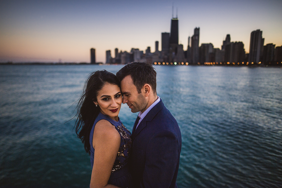 chicago-skyline-beautiful-engagement