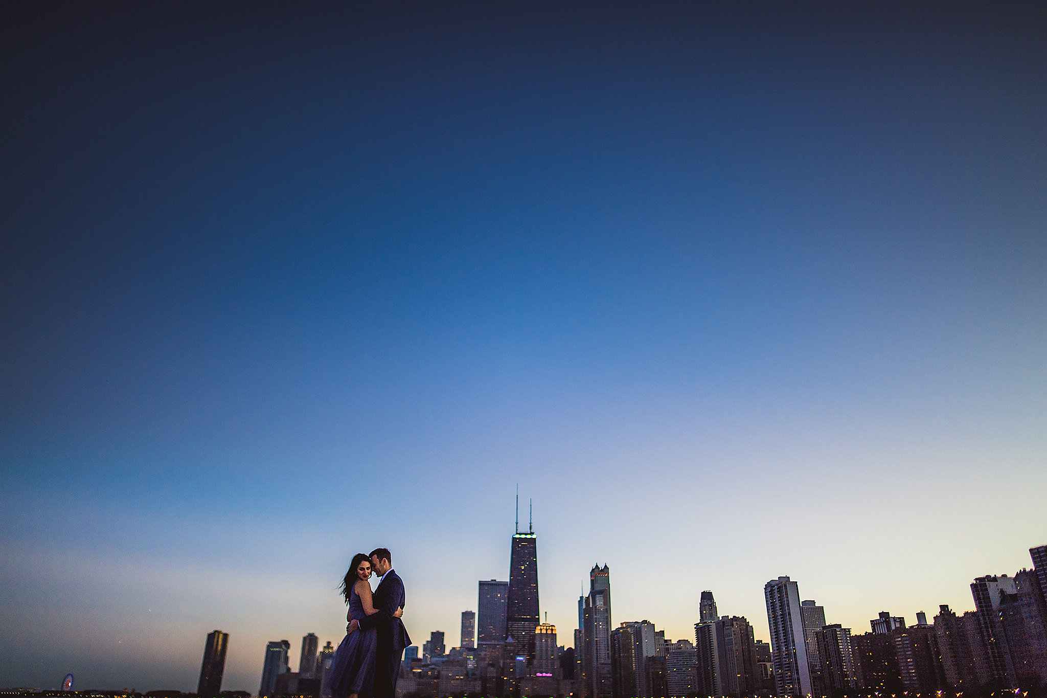 dramatic-chicago-skyline-sunset-engagement