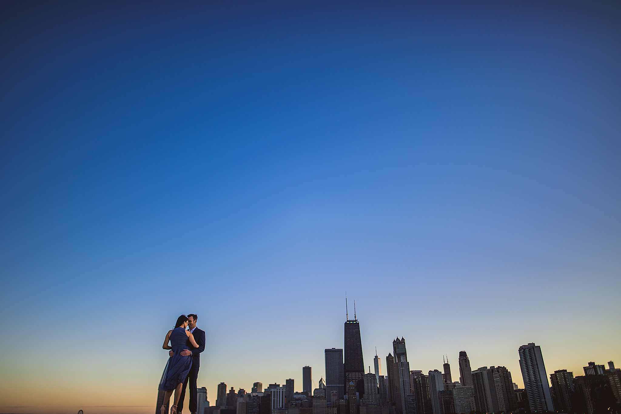 stunning-chicago-skyline-engagement
