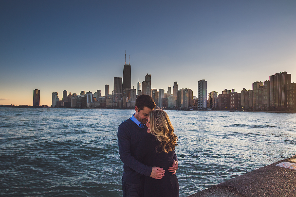 beautiful-chicago-sunset-skyline-engagement