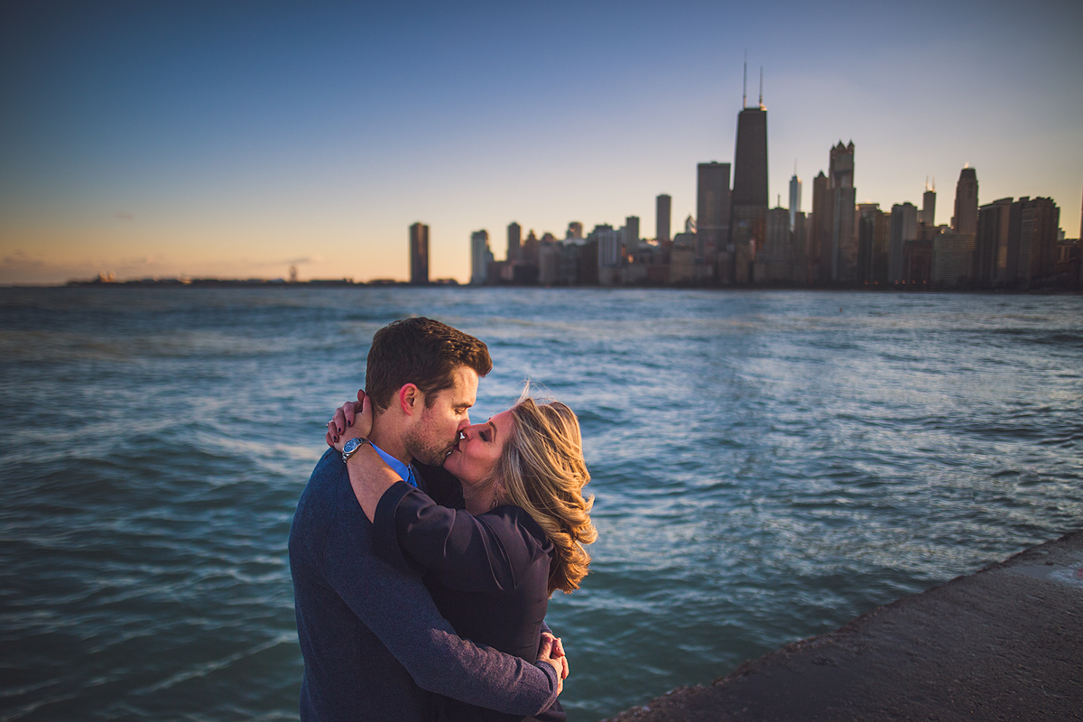 romantic-chicago-sunset-engagement